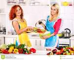group-women-preparing-food-kitchen-happy-couple-34070393