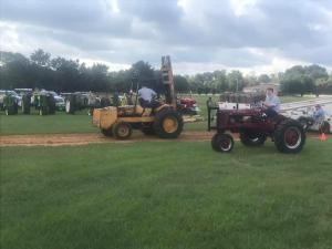 Tractor pull - antique